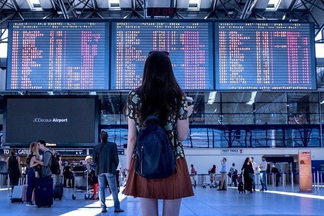 ความเสียหาย ต่อธุรกิจท่องเที่ยวในไทย