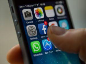 จับตา iOS 14 จาก Apple อาจทำส่งผลกระทบต่อการ Track ของ Facebook