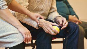 กำหนดโอนเงินเบี้ยยังชีพผู้สูงอายุ และ เบี้ยความพิการ กันยายน 2563