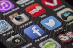 เฟสบุ๊คยกเลิก กฎข้อความต้องน้อยกว่า 20%